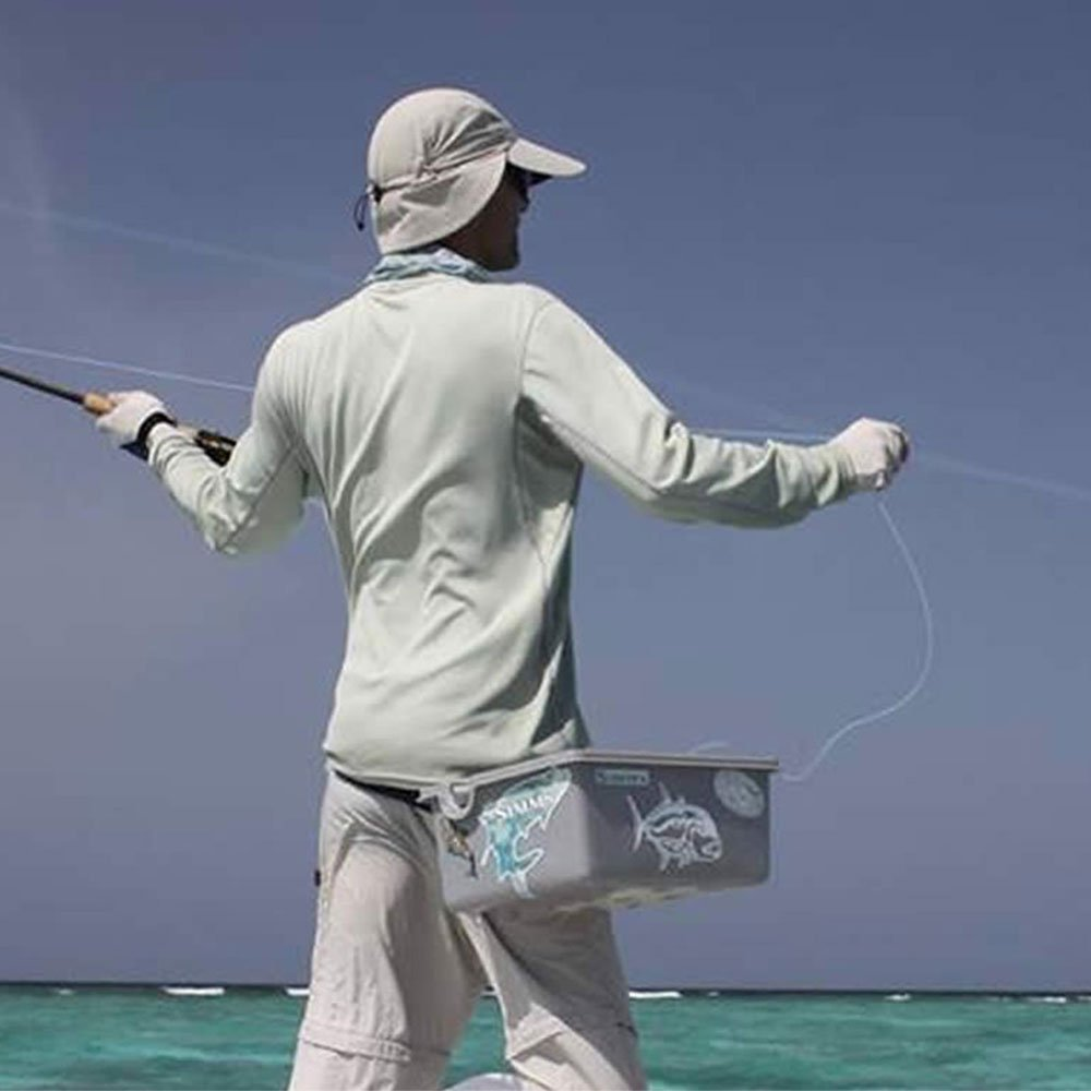 Casting fishing Hurawalhi Maldives